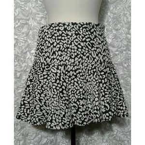 Guess animal print/flare mini skirt size 8